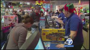 stores open on thanksgiving monday thanksgiving shoppers hit stores eager for deals abc7 com