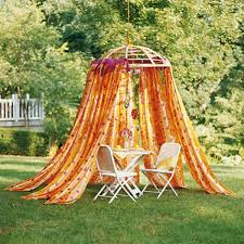 garten dekorieren ideen gartengestaltung leichte und märchenhafte deko ideen im garten
