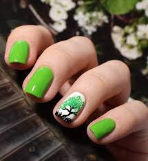 19 best greenery nails pantone color of the year 2017 paznokcie w