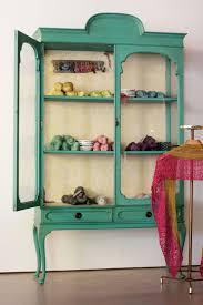 cinco cosas increíbles que puedes aprender de secreter ikea vitrina restaurada con autentico chalk paint craft idea