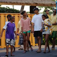 Obama S Vacation Obama Family Jet Off On Their Christmas Vacation Daily Mail Online