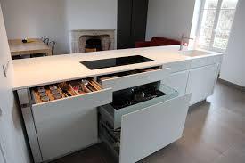 ilot cuisine blanc stunning ilot central de cuisine blanc avec evier photos awesome