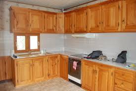 meuble de cuisine en bois massif meuble de cuisine en bois idées décoration intérieure