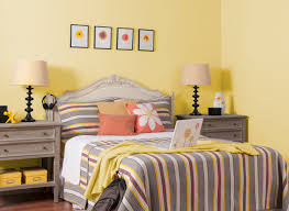 yellow with gray and orange apartment ideas pinterest mesas