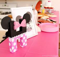 minnie mouse birthday party minnie mouse birthday party details and free printables girl