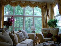 Traditional Family Rooms by Kitchen Window Dressings Traditional Family Room Amelia Bennett