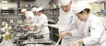 le chef en cuisine meet cuisine chef colin westal le cordon bleu