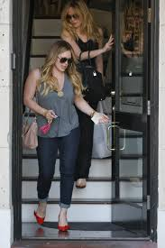 hilary duff leaves nine zero one salon in west hollywood