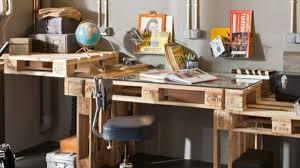 fabriquer un bureau avec des palettes bureau en palette bureau u fauteuil en palette pallet