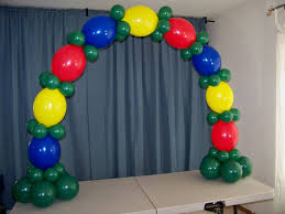 how to make a balloon arch how to make a table top balloon arch no helium