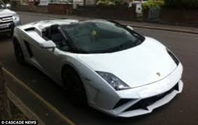 lamborghini gallardo uk seize 157 000 lamborghini gallardo spyder supercar after