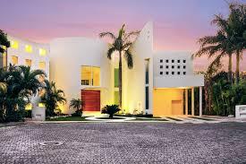 aqua villa luxury retreats