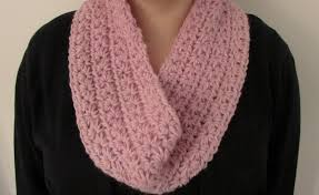 crochet pattern using star stitch very easy chunky crochet star stitch cowl scarf snood infinity