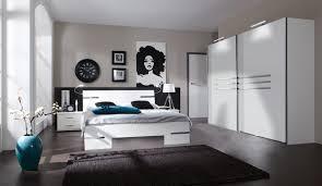 chambre laqué blanc brillant chambre adulte complète design blanc alpin chrome brillant iii