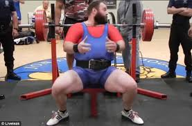 Starting Strength Bench Press Weightlifter Drops 545lbs On His Chest In Failed Benchpress