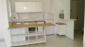 cuisine avec etagere séparation de cuisine avec kallax