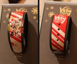 first pictures of mickey u0027s very merry christmas party magicband