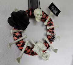 easy halloween decorating ideas featuring dollar tree items