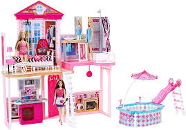 amazon com barbie dream house u0026 pool gift set with three dolls 31