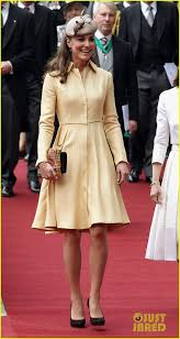 duchess kate duchess kate recycles emilia wickstead dress kate middleton st giles cathedral thistle ceremony edinburgh