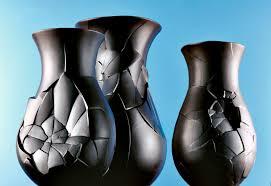black vases by dror benshetrit international design awards