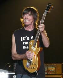 Tom Scholz live with Boston