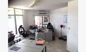 bureau center martinique bureau au 1er etage howell center annonce bureaux