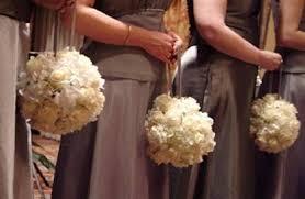 Pomander Balls Bridesmaids Carrying Pomanders Weddingbee