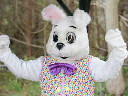 easter bunny will be at lincolnwood town center mid march skokie