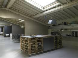 cuisine en palette bois fabriquer un îlot de cuisine 35 idées de design créatives