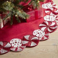 Peppermint Twist Tree Skirt Using 299 Best Tree Skirts Images On