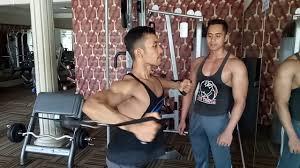 cowok ganteng nge gym youtube