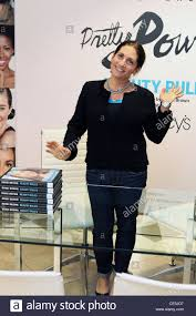 makeup artist in new york makeup artist brown signs new book beauty at