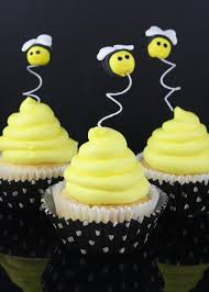 bumble bee cupcakes how to make bumble bee cupcake toppers cakejournal