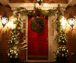 Large Outdoor Christmas Decorations by 49 Ways To Decorate Front Door For Christmas Holiday Decorating