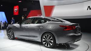 new nissan maxima 2016 nissan maxima unveiled with 300 bhp video