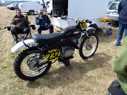 yamaha u2013 at u2013 ct u2013 dt u2013 rt chin on the tank u2013 motorcycle stuff