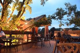 treehouse hotel pennsylvania quaint little tree house dining picture of loxley u0027s lancaster