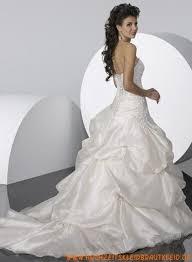 brautkleider mit langer schleppe schönste romantische brautkleider aus taft mit langer schleppe