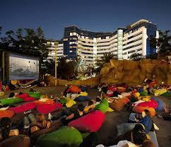 the best outdoor cinemas to visit in dubai u0026 abu dhabi