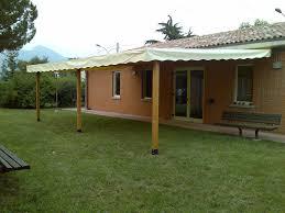 tettoia in legno per terrazzo tettoie per giardino in legno lamellare