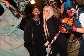 halloween horror nights 2016 kylie jenner and tyga enjoy date night at universal studios