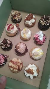 box de cuisine box de 12 mini cupcakes pour 16 picture of crumbs and doilies