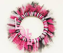 geo mesh wreath home decor crafts diy and free tutorials ben franklin crafts and