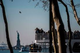 ny tourism bureau york city expects more tourists but fewer international