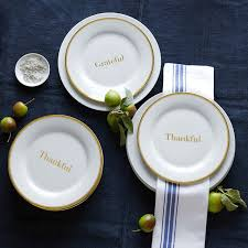 8 must haves for your thanksgiving table this season