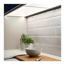 eclairage plan de travail cuisine eclairage led cuisine plan travail affordable eclairage led cuisine