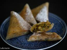 cuisiner des restes de poulet bricks de poulet au safran et quetsches d alsace façon pastilla