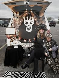 How To Decorate Your Car For Halloween The Yellow Cape Cod Show Me Your Trunk Halloween Trunk Or Treat Ideas