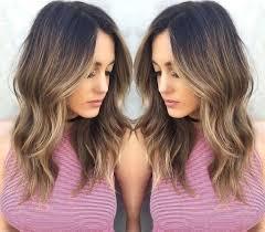 Frisuren Schulterlanges Gewelltes Haar by 10 Einfach Everyday Frisuren Für Schulterlanges Haar Haarfarbe